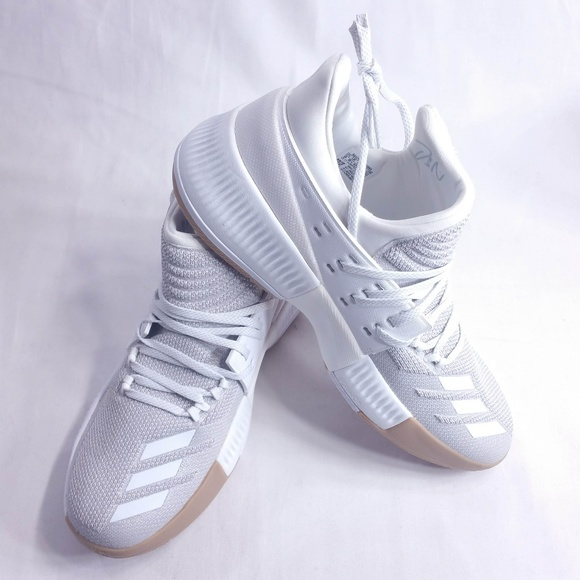 the latest fc0e8 88eeb Adidas Dame 3 Legacy Basketball Shoes BWO323 NIB